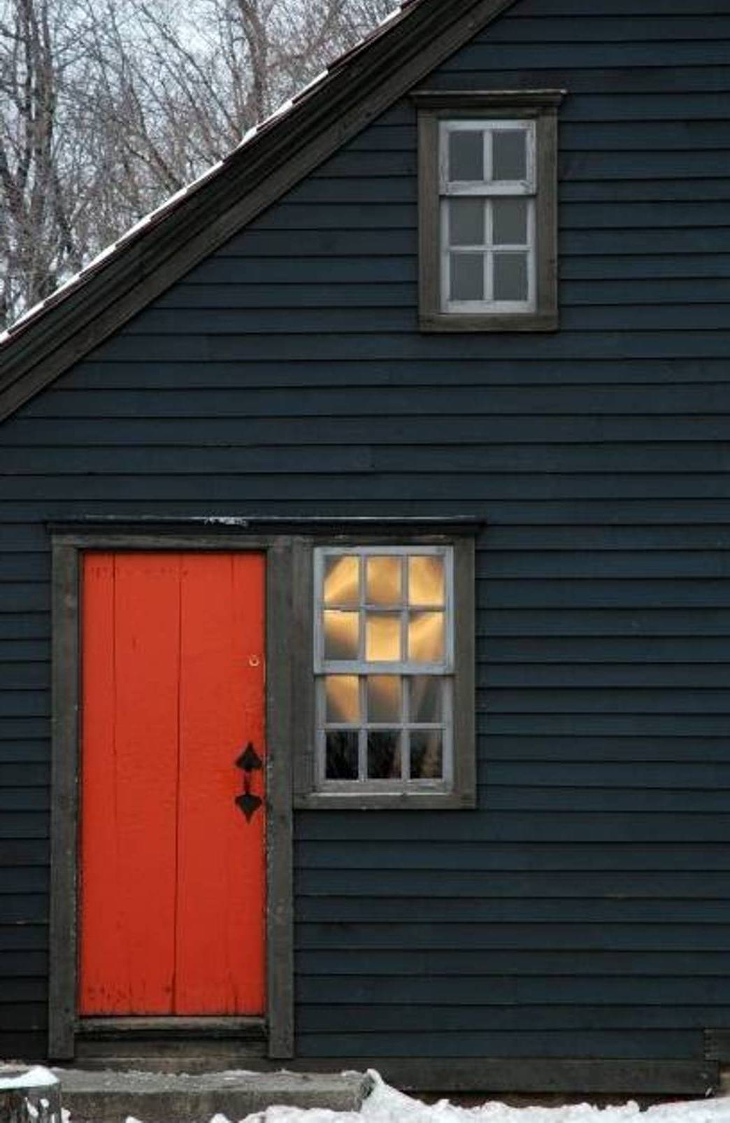 Exterior Home House Design: Exterior Paint Schemes And Consider Your Surroundings