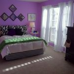 Superior Woman Teen Bed room Ideas Purple Wall plus White Curtain In square Window As Properly Darkish Picket Drawer Vanity And Lamps Desk Additionally Beige Carpet