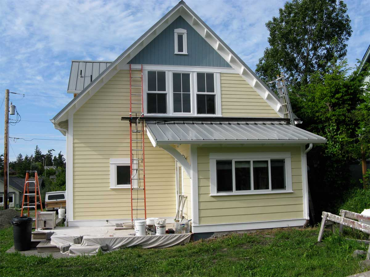 Exterior paint schemes and consider your surroundings for Small house exterior