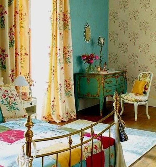 Bohemian decorating ideas for your bedroom homesfeed for Bohemian dining room decorating ideas