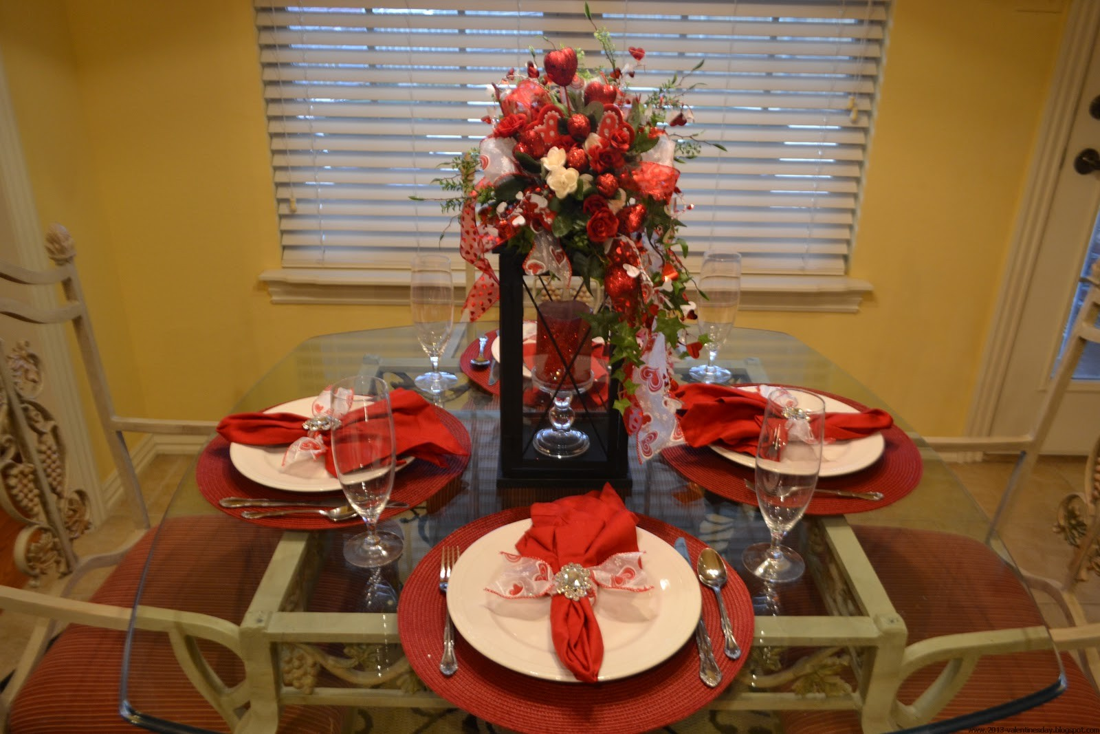 Dining table mats ideas - Glass Dining Table Red Table Mat White Ceramic Plate Painted Wooden Armchair Red Napkin Drinking Glass
