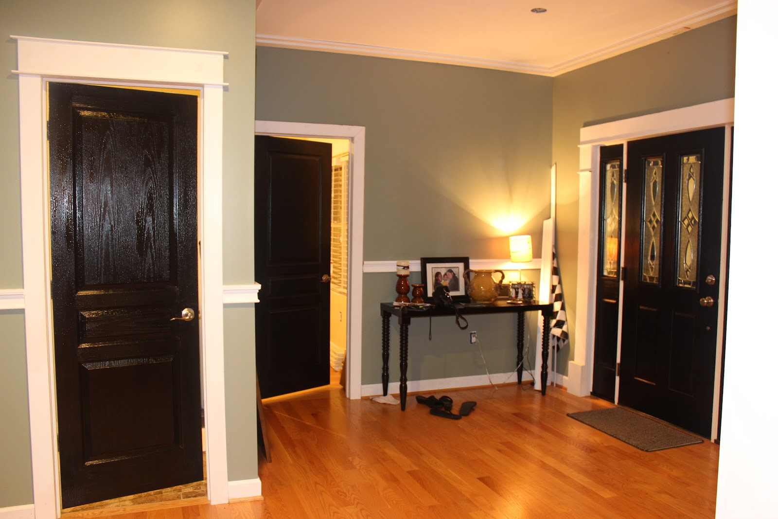 black pianted main door black painted interior door white painted door. Black Bedroom Furniture Sets. Home Design Ideas