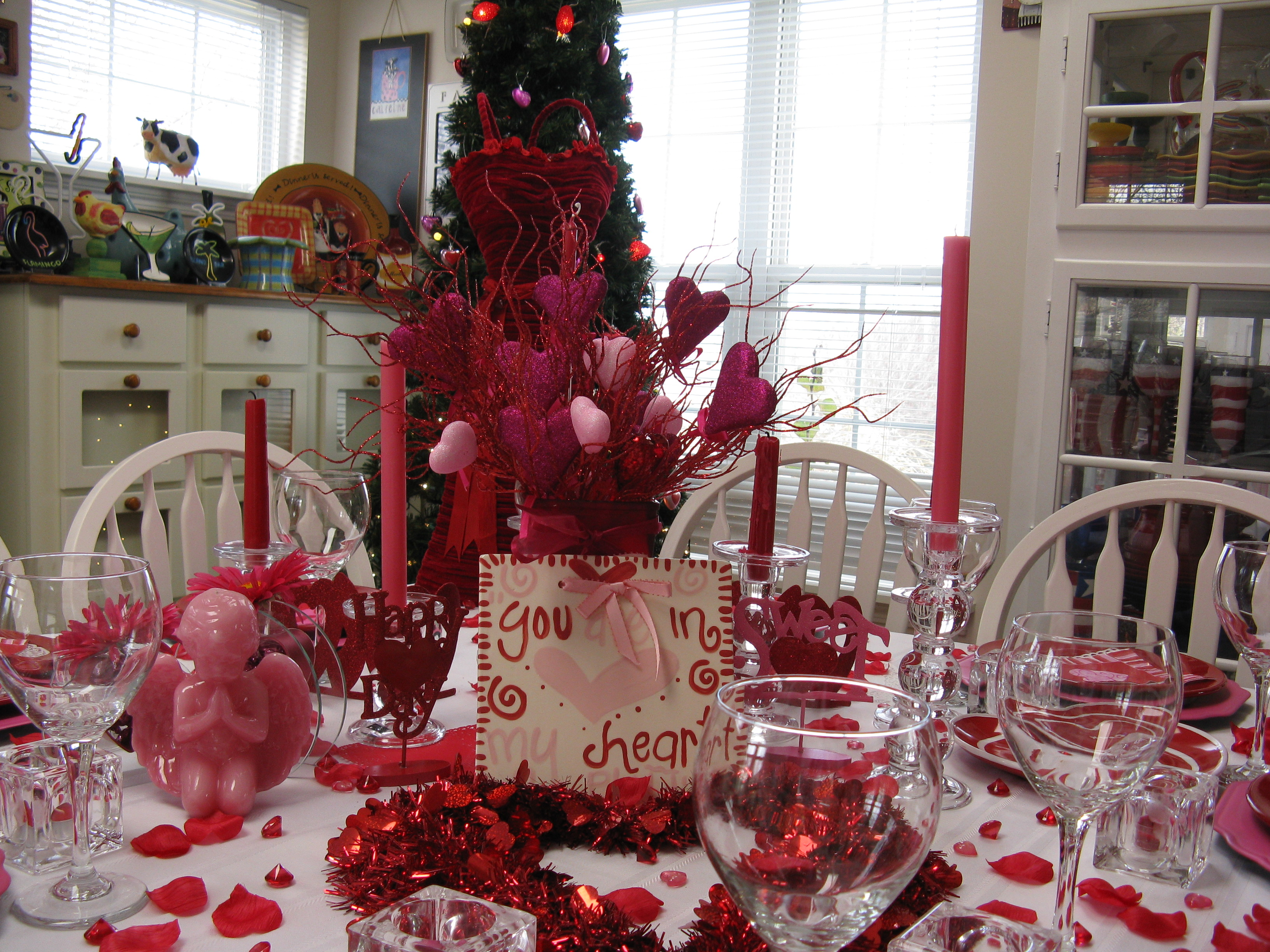 Decorate your dining table inspirational ideas for for Table design for valentines day