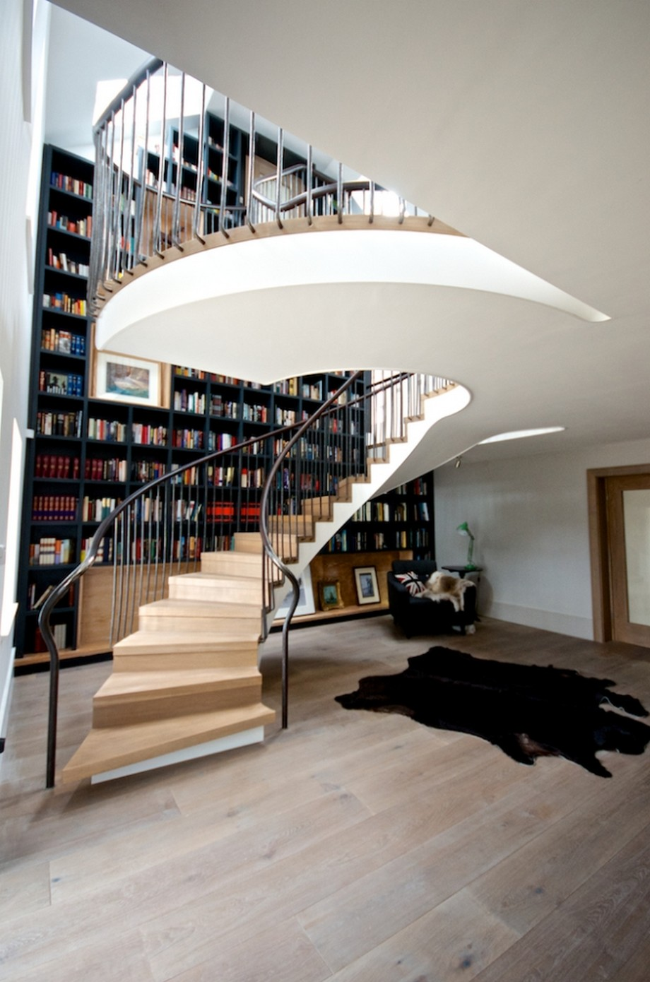 Whirling Staircase Design With Jaw Dropping Size In