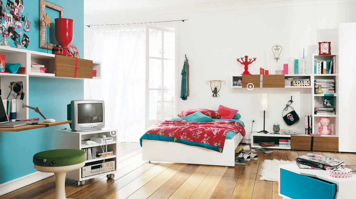 white painted wa;; wooden varnished floor built in storages built in study desk white : teen-room-pictures - designwebi.com