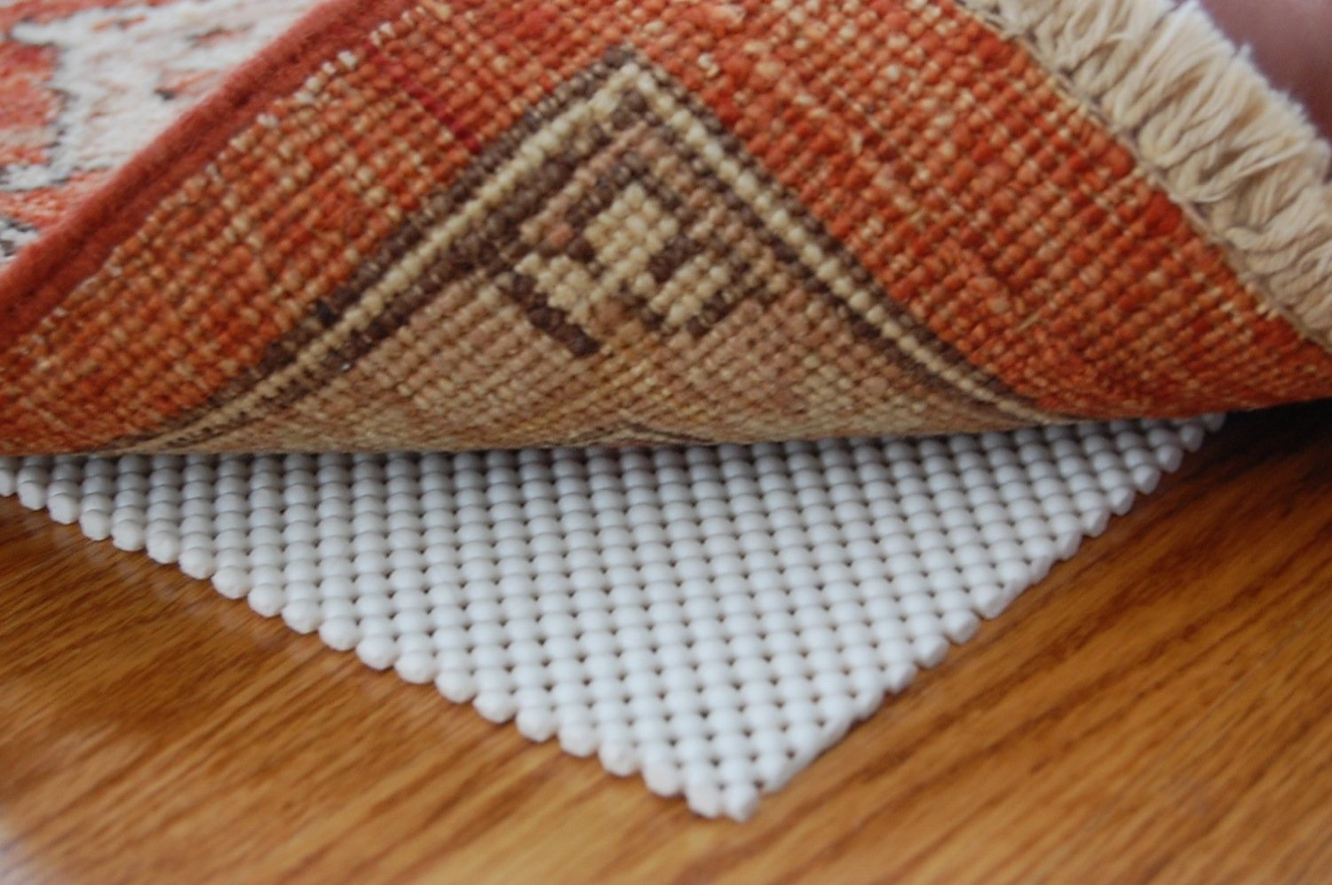 Give The Protection For Your Hardwood Floor Installing Best Rug Pad Floors