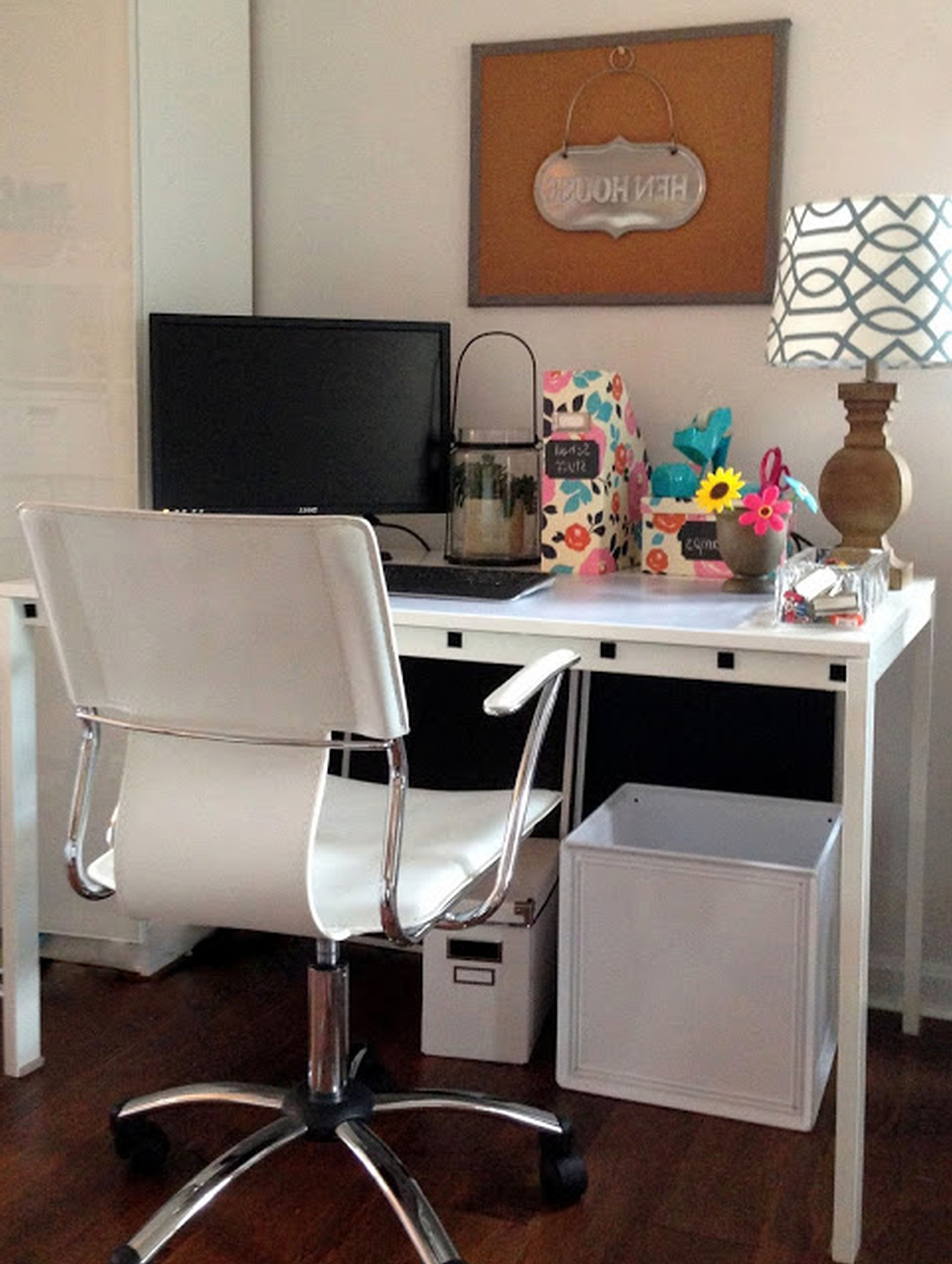 Magnificent Best Selections Of Ikea Desks For Small Spaces Homesfeed Largest Home Design Picture Inspirations Pitcheantrous