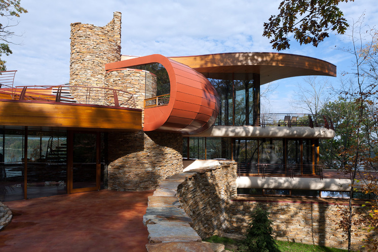 Amazing natural curved house architecture in wisconsin for Robert oshatz architect