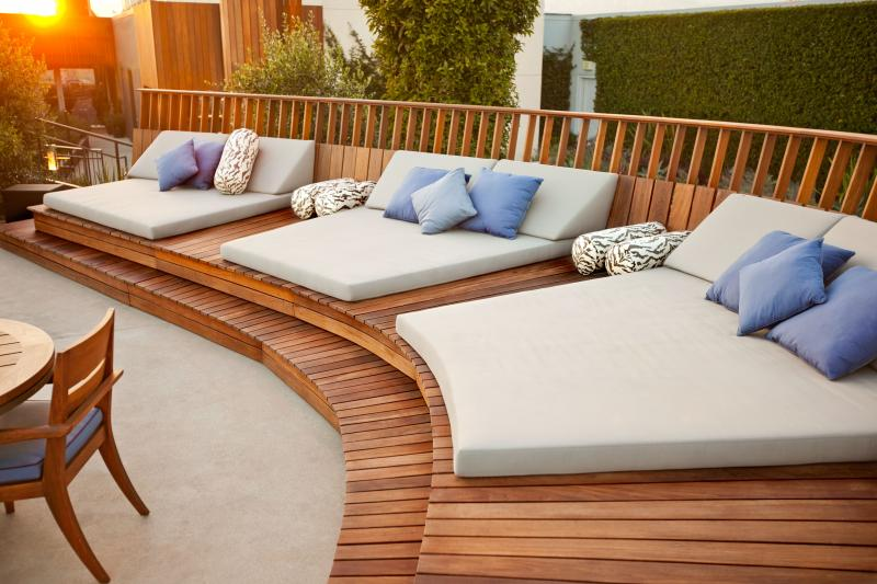 Pictures of daybed for outdoor homesfeed for Outdoor pool bed