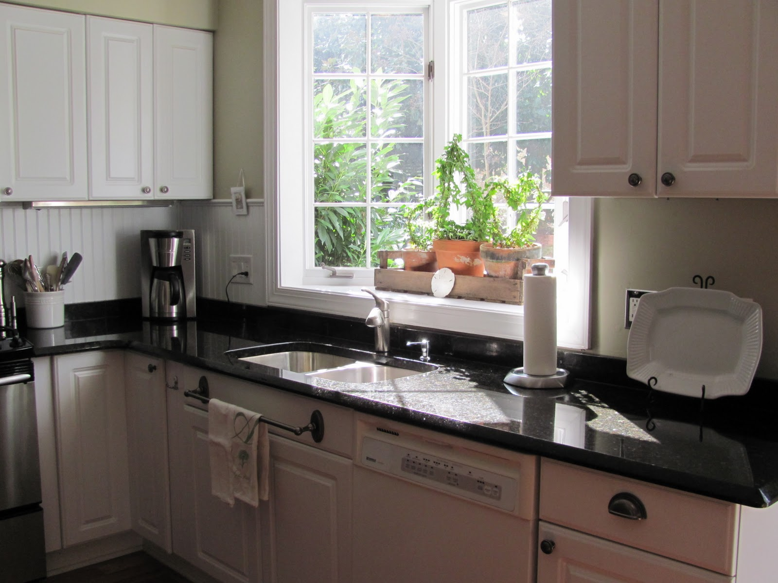 Garden windows for kitchen refreshing part in the kitchen for Kitchen ideas no window
