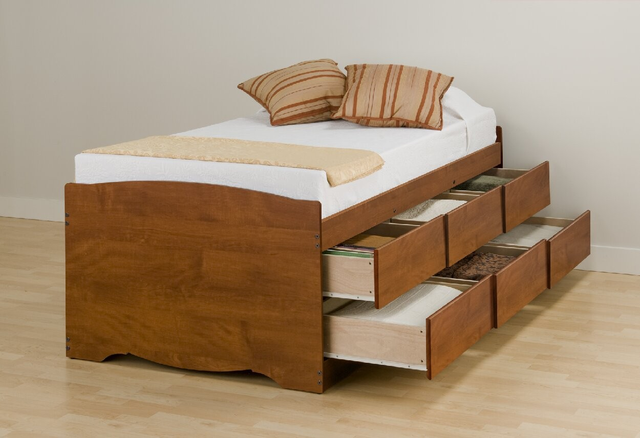 Elevated platform bed create different visual interest to for Pedestal bed
