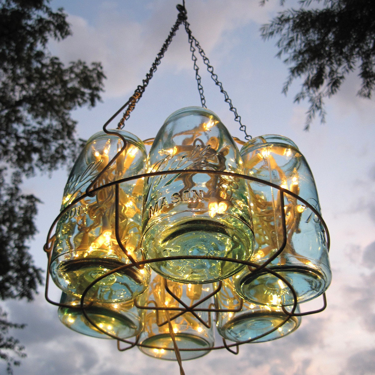 How to create mason jar lighting fixtures homesfeed mason jar pendant lamp with yellow rays of light arubaitofo Gallery