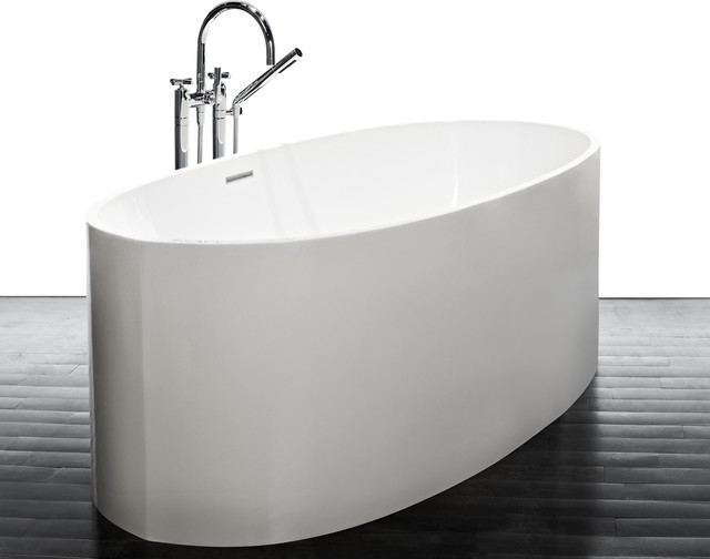 Narrow bathtubs help much for small bathroom homesfeed for Narrow deep soaking tub