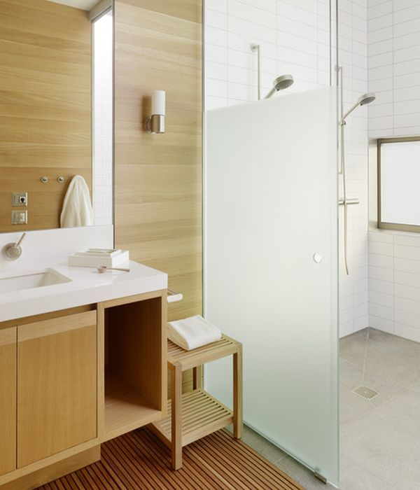 Frameless glass shower door cost and it advantages homesfeed for Half bathroom cost