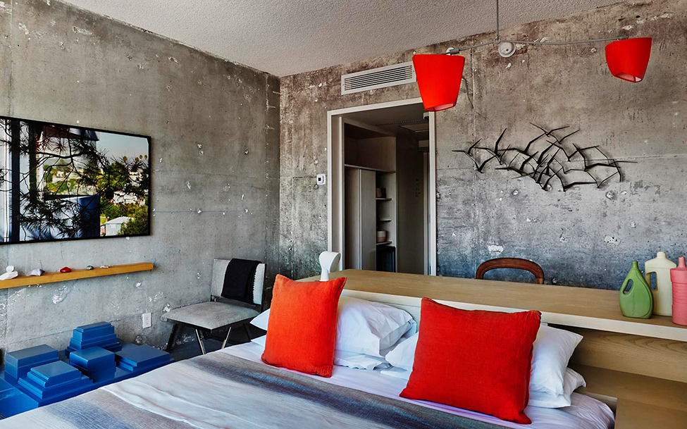 Special overnight stay with raw design of the line hotel for Design hotels la