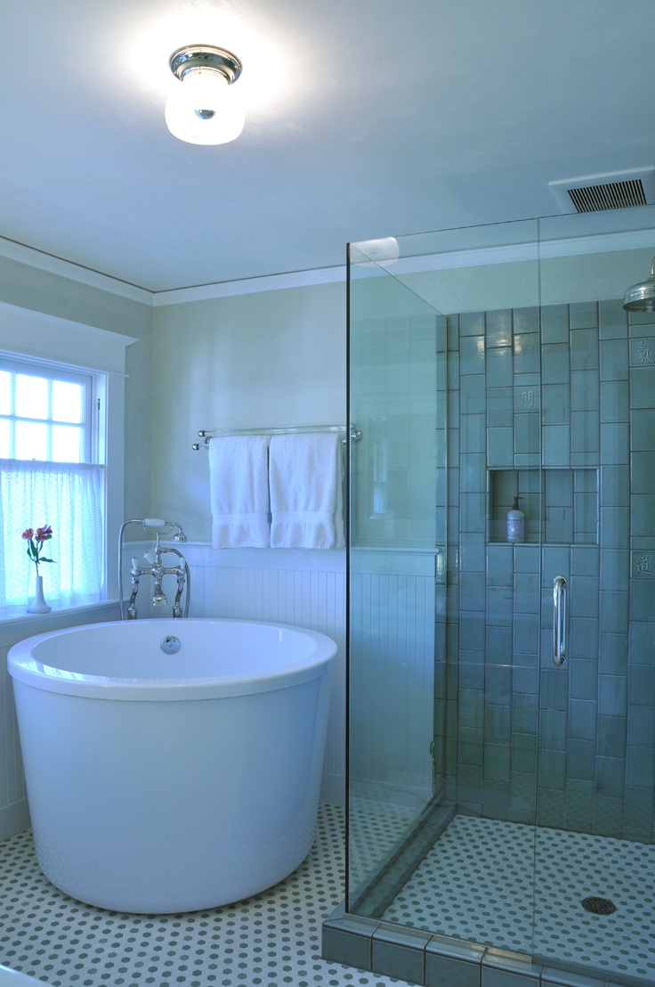 Japanese Soaking Tub Small: Give the Asian Accent in Your Small ...