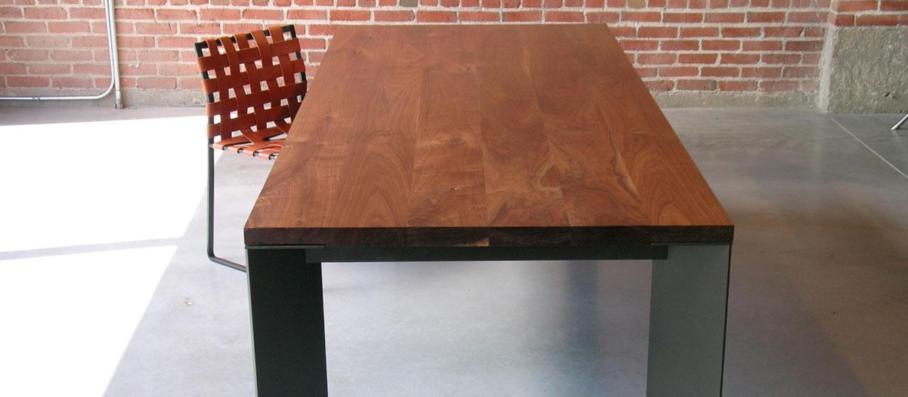 Wood Deks Top With Metal Desk Feet Unique Metal Rubber Chair Brick Wall Idea