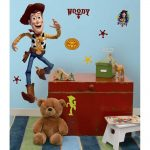 Woody wall sticker in big size cute brown bear doll shabby and oldies style wood box for storage carpet with colorful big-strip patterns