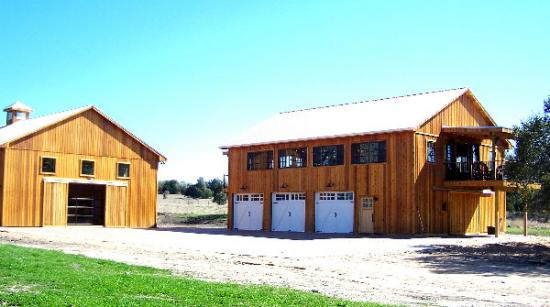 Cool and natural pole barn house design homesfeed for Pole barn living space