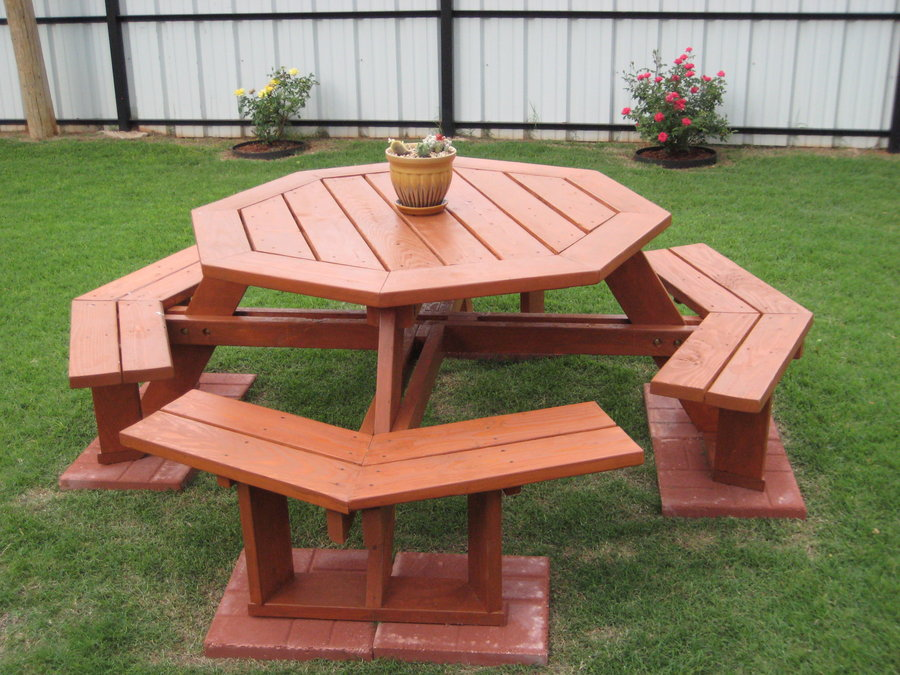 Creative And Cool Picnic Table Design For Back Yard