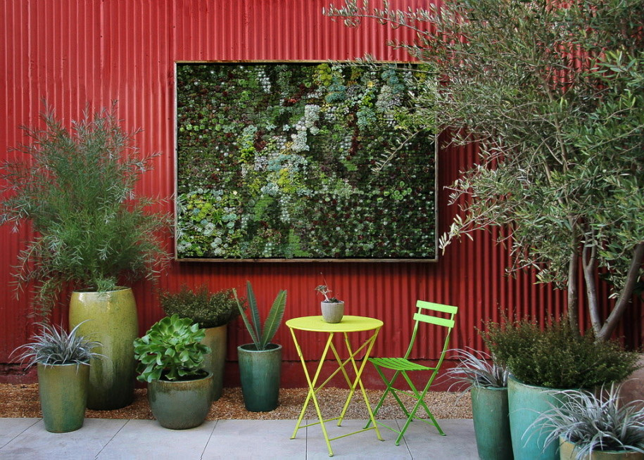 Awesome Nice Adorable Cool Wonderful Outdoor Fence Decoration With With Red  Coloring Concept Design With Green