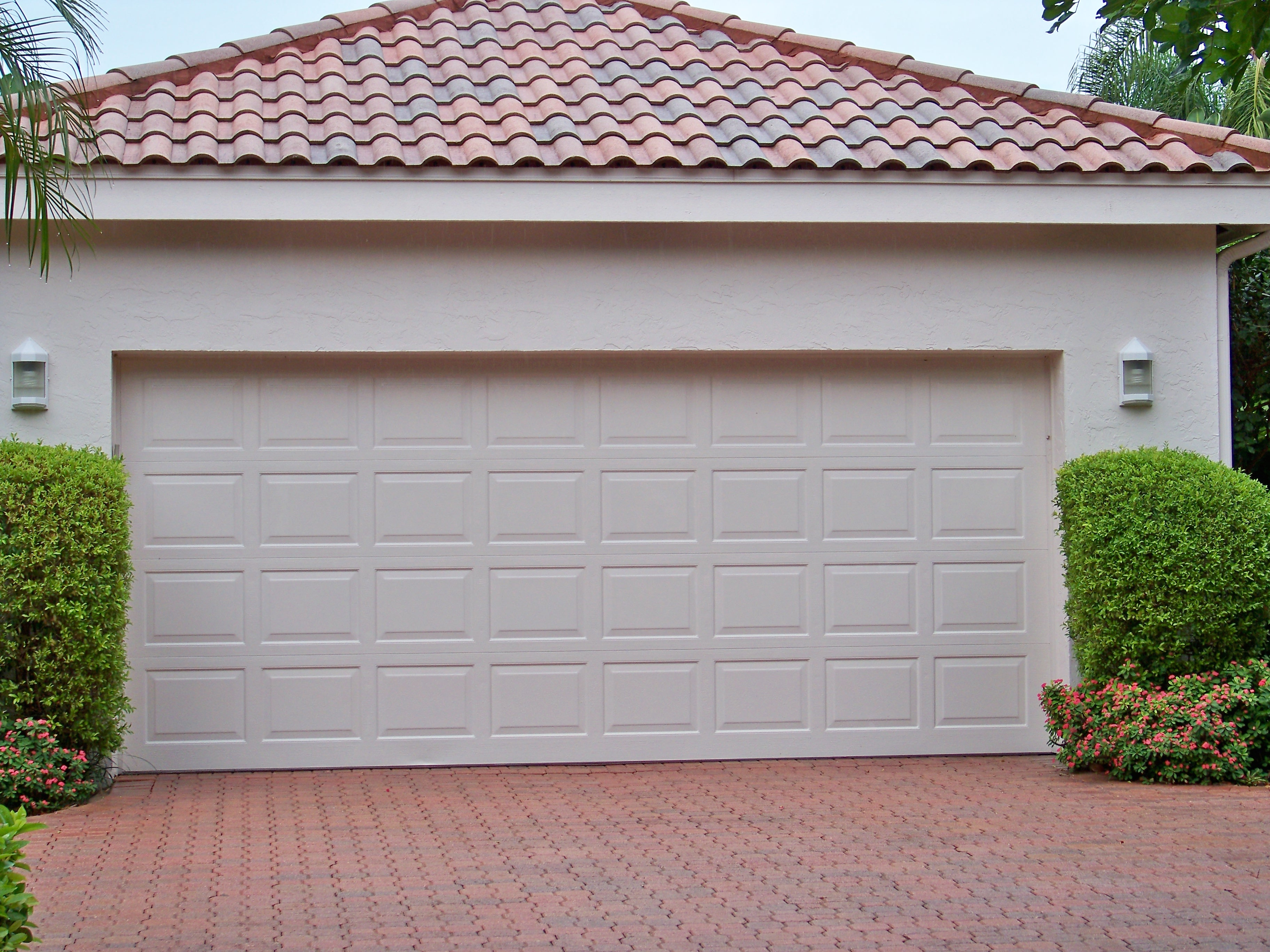 creative design of garage door for modern homes homesfeed cool amazing nice wonderful large adorable garege door with white accent made of wood with nice