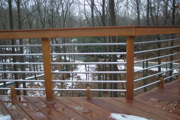 Nice concept and design of horizontal deck railing for