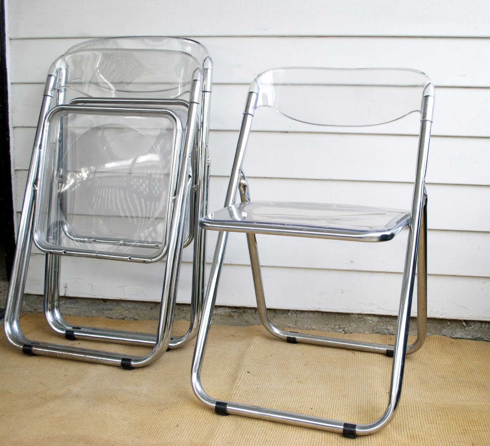 Lucite Folding Chairs Afford Extra fort and Space Efficiency
