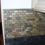 groutless tiling system for kitchen backsplash