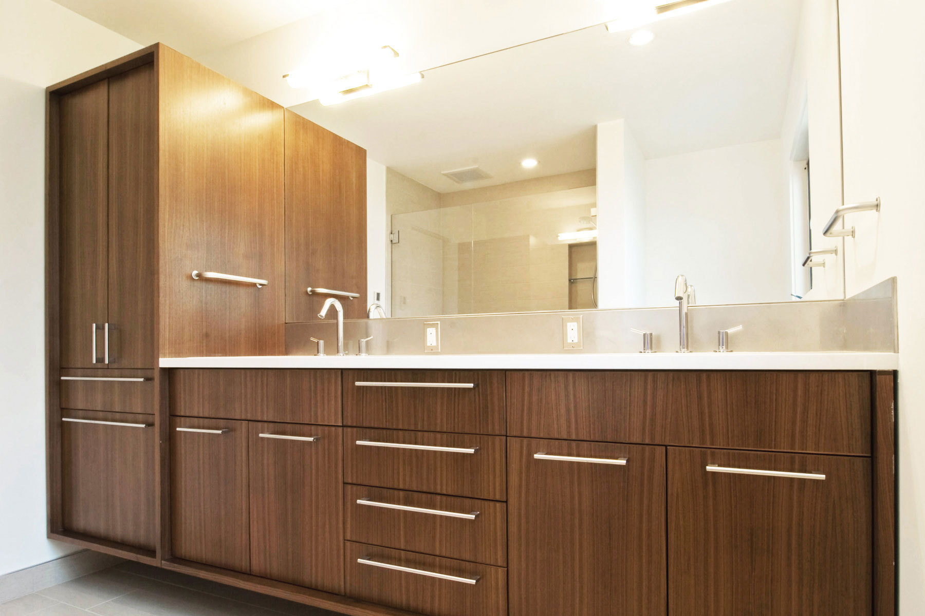 Create contemporary look with mid century modern bathroom for Kitchen and bathroom cabinets