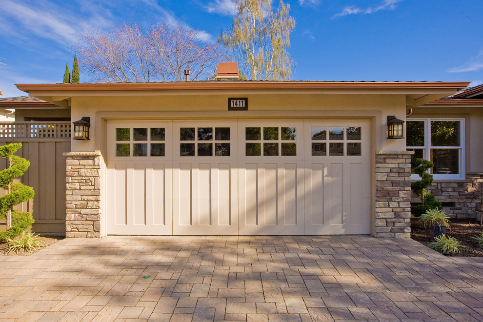 Craftsman style garage doors homesfeed for Craftsman style garage lights