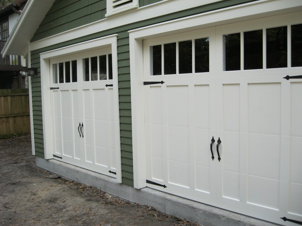 Craftsman style garage doors homesfeed for Garage doors designs