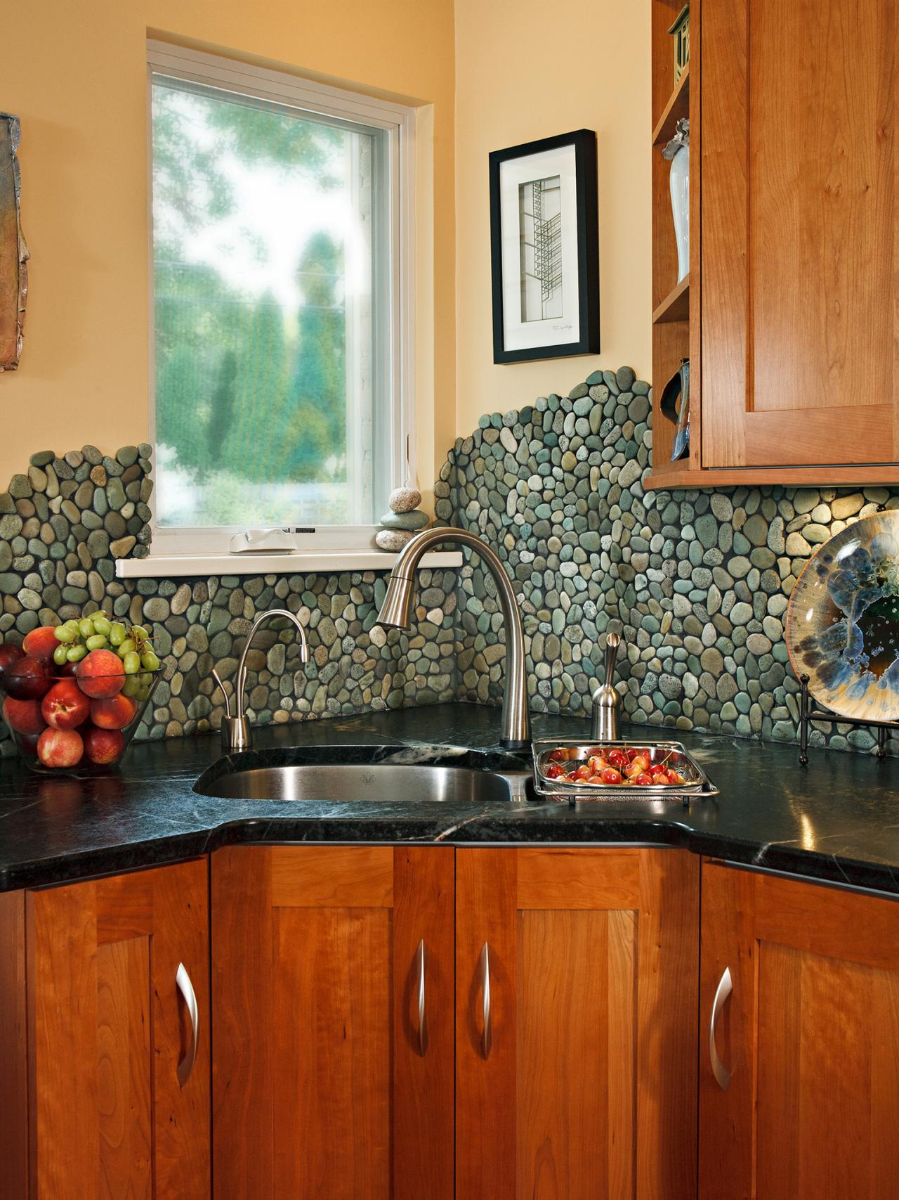 river rock backsplash, give a new and natural accent to your