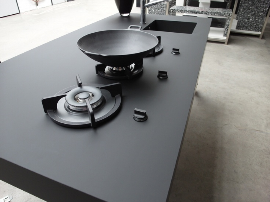 Hot and cheap countertops homesfeed for Stainless steel countertop with built in sink