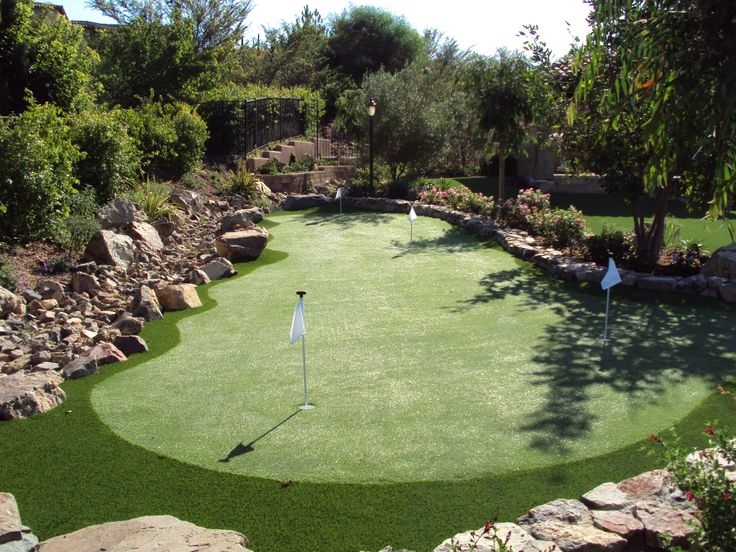 How to Build A Putting Green? - HomesFeed