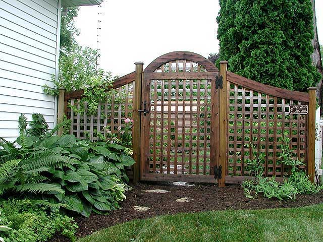 Small Creative Adorable Perfect Nice Lattice Fence Design