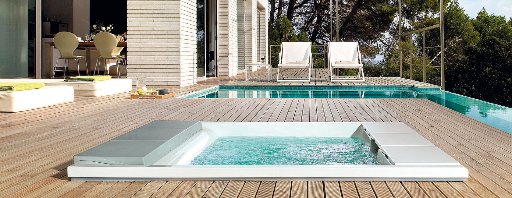 Built-In Hot Tubs: Provides Luxury and Extra Comfort | HomesFeed
