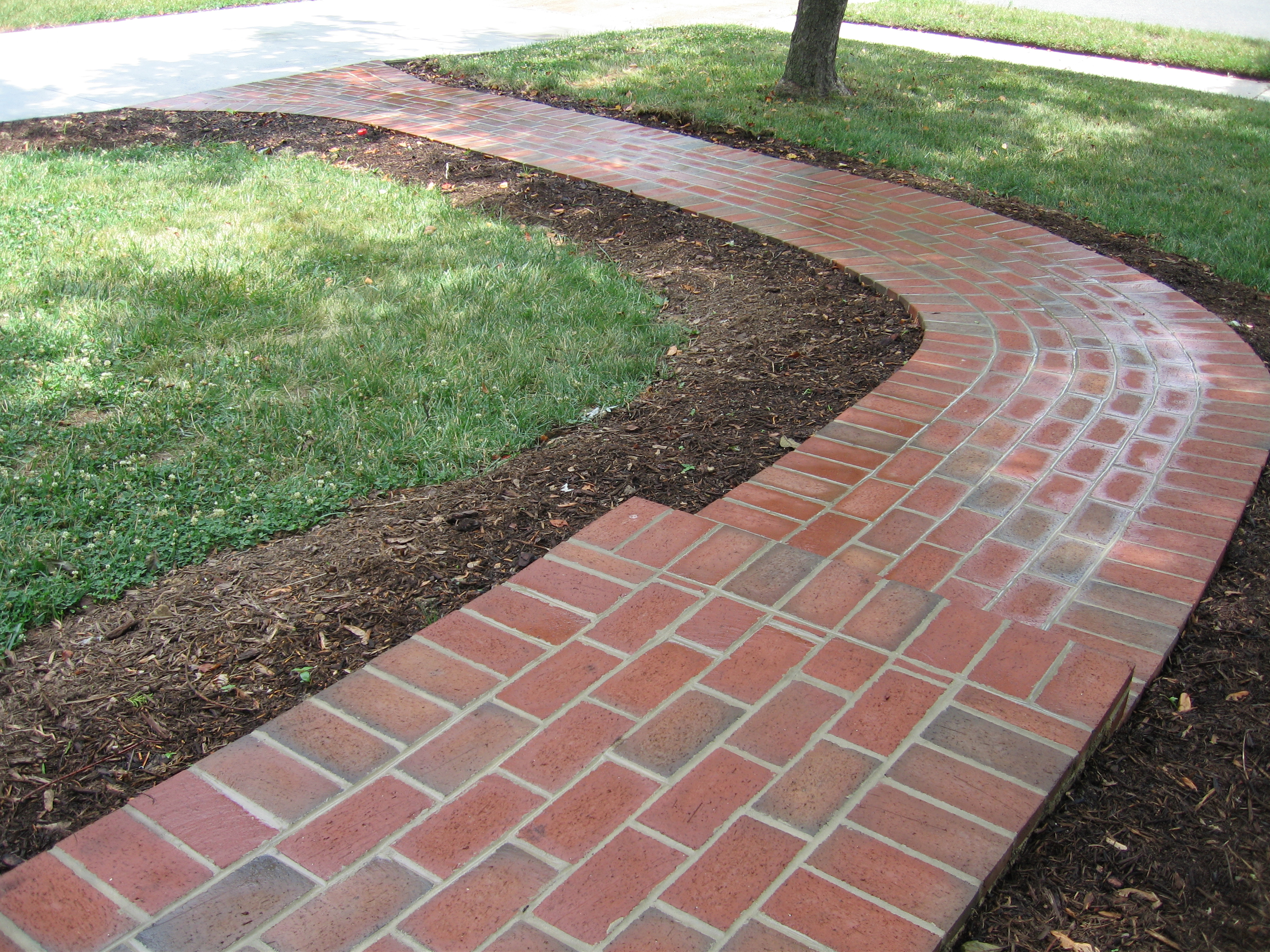 Fabricated natural stones best choice for outdoor for Paving designs for small garden path