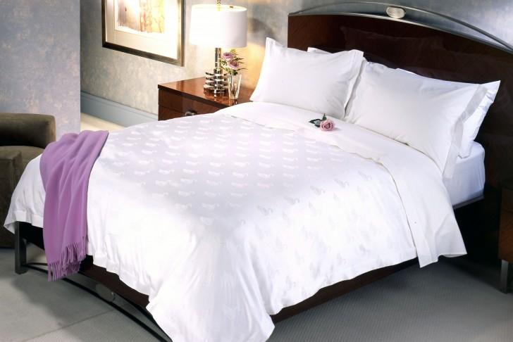 Beautiful elegant bed sheet choices for bedroom homesfeed for Bed sheet design images