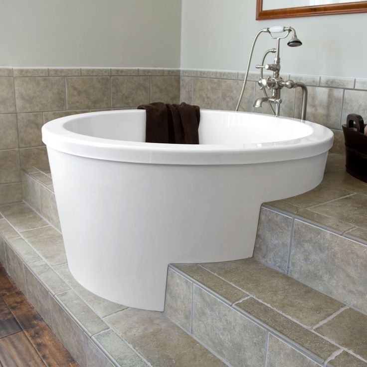 Create a romantic scenery by enjoying bath session on for Deep built in bathtubs