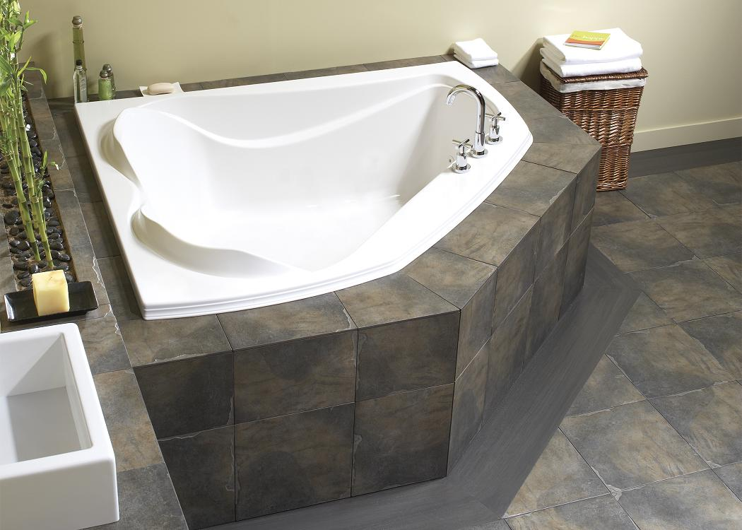 Create a romantic scenery by enjoying bath session on for Bathroom ideas with soaker tubs