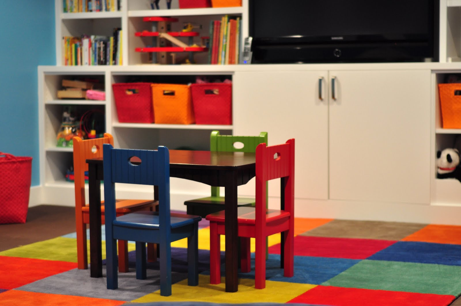 Kids rug ikea create beauty and comfort in your kid s for Kids tv chair