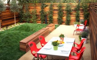 creative-coolest-nice-natural-backyard-fencing-idea-with-Amazing-Ideas-for-Your-Backyard-Fence-Design-and-has-small-green-grass-with-nice-simple-table-set