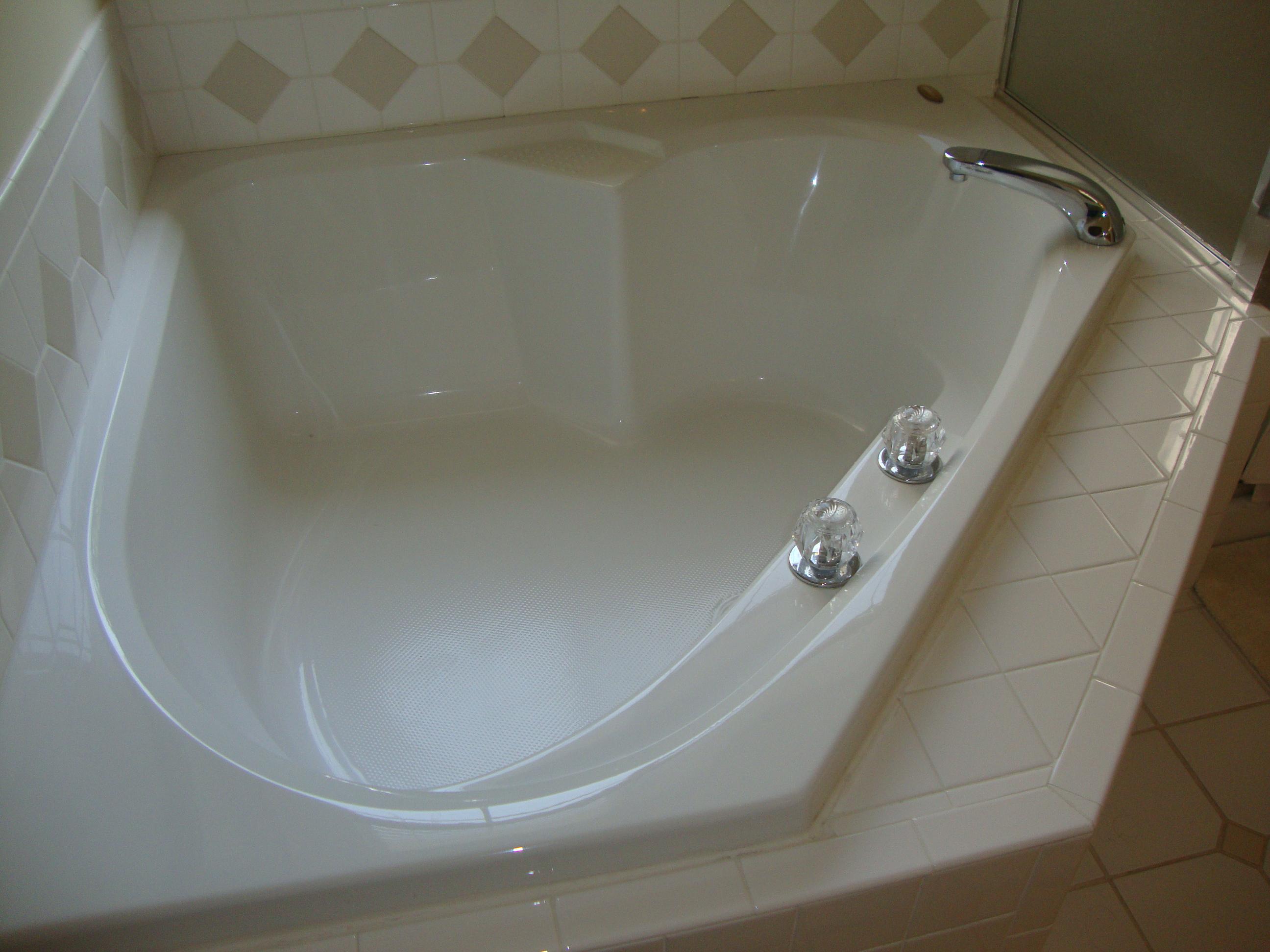 ... Scenery by Enjoying Bath Session on Soaking Tub for Two  HomesFeed