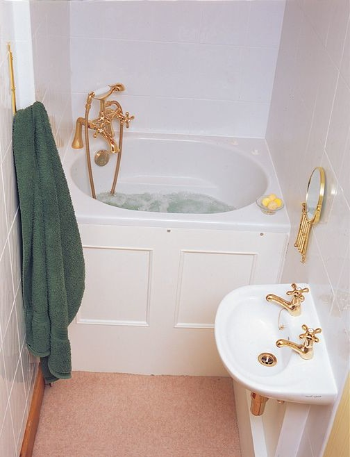 Soaking tubs for small bathrooms homesfeed for Small japanese soaking tubs small bathrooms