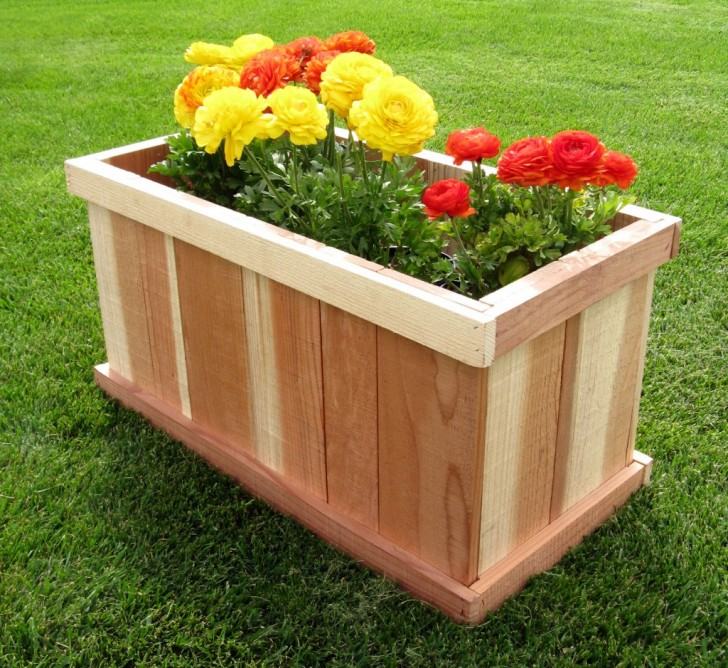 Incredible design of wood planter boxes for big plants for Home garden box design