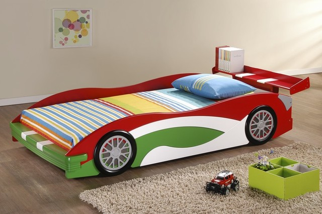 Adorable Realistic Race Car Bed Design For Toddlers