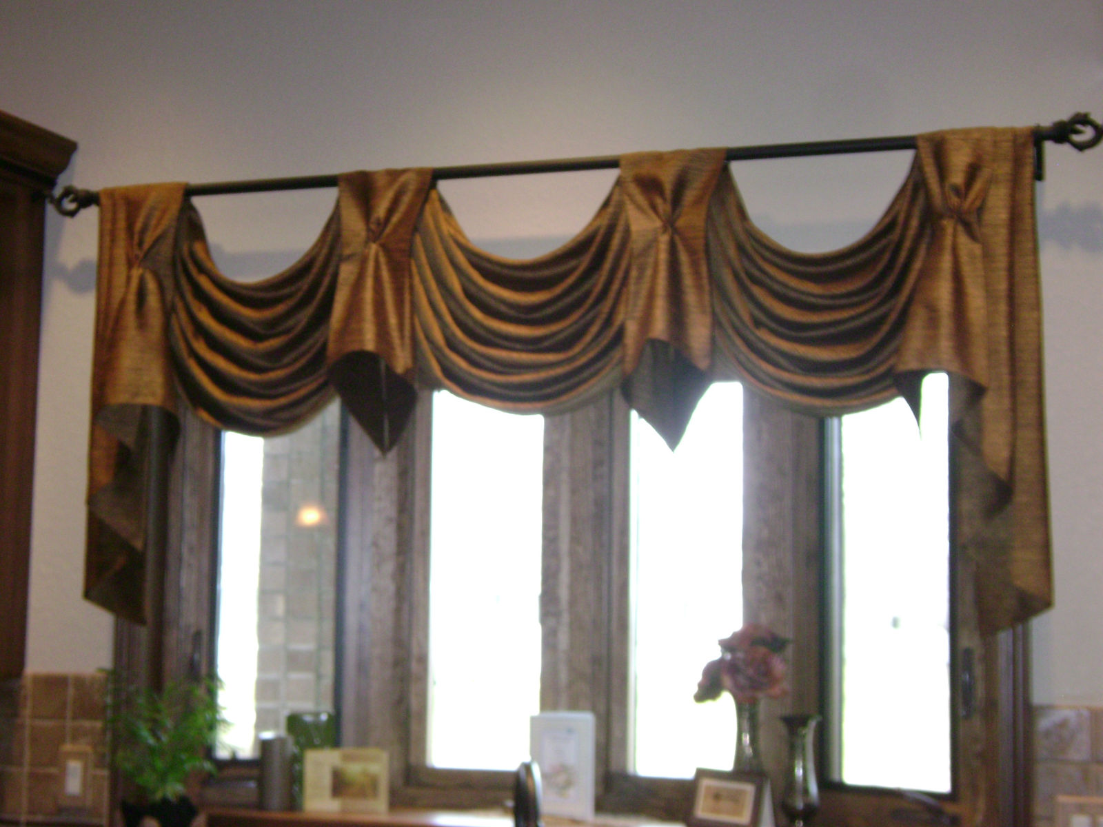 Make Your Interior to be More Delightful with Half Curtain Rod ...