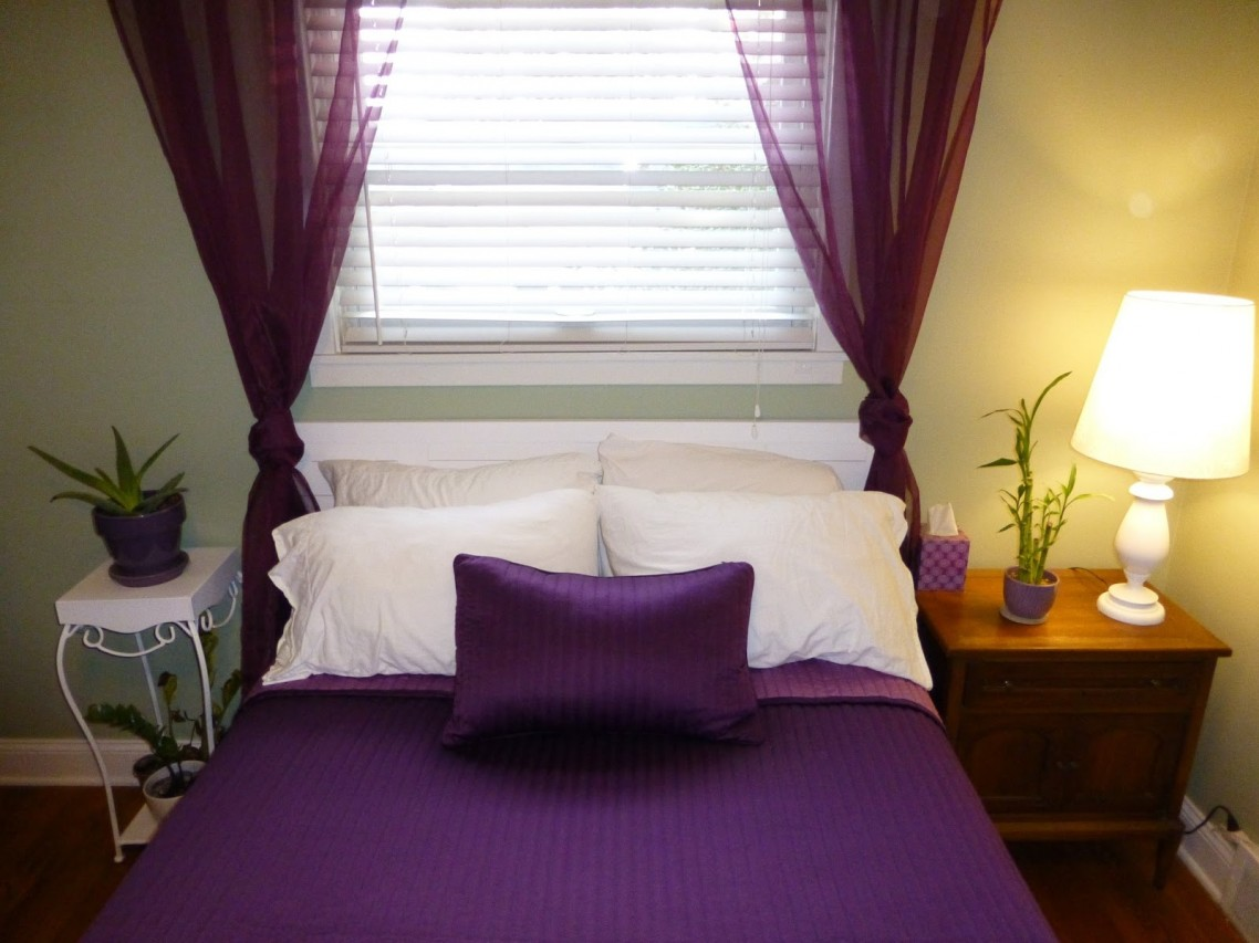 Small Bedroom Window Treatment Elegant And Playful Window Treatment For Small Windows Homesfeed