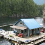 amazing-cool-nice-fresh-challenging-mall-rustic-cabin-plan-Rustic-Small-Floating-Cabin-up-the-Lake-with-blue-roofing-design